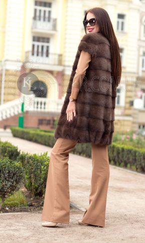 фото норковый жилет коричневый